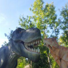 ティラノサウルスVSおりがみティラノ